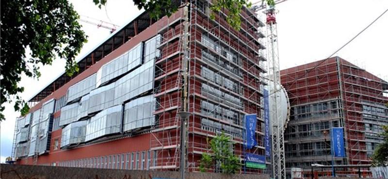 Felfüggesztették a BME GTK dékánját az átszervezés hírére
