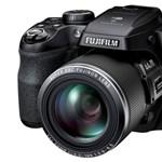 44x-es zoom van az új, wifis fényképezőgépben