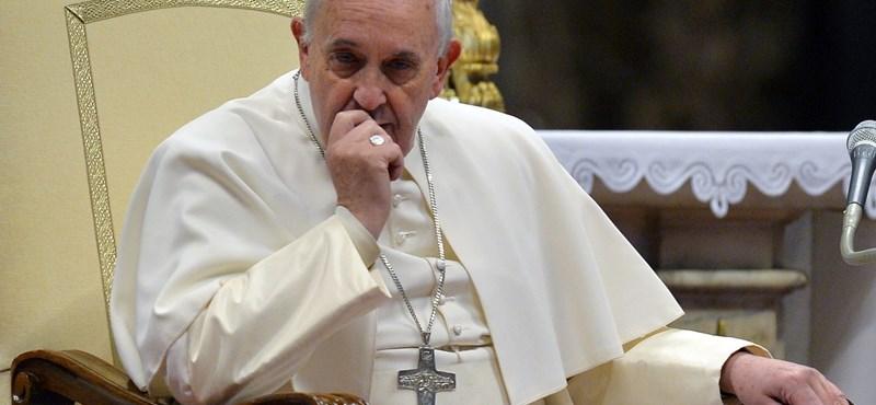 Ferenc pápa: Lehet verni a gyerekeket, csak ne sérüljön a méltóságuk