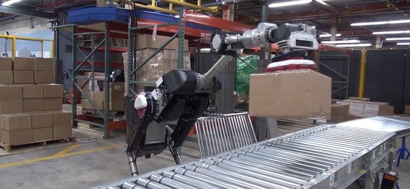 Videó: Ez a robot már képes lehet arra, hogy elvegye az ember munkáját