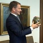 Matovic bodzaszörpjére kovászos uborkával tromfolt Orbán