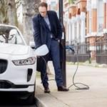 Három év múlva ugyanannyiba kerülhet egy elektromos autó, mint egy hagyományos