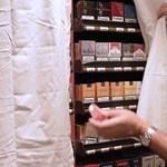 Tiltott cigizésért gombolják le a turistákról a tízezreket a magyar szállodákban