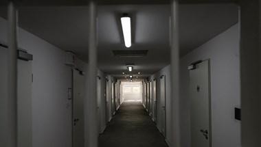 Konténerbörtönt adtak át Veszprémben