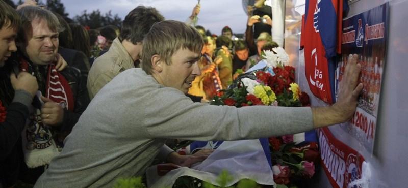 Szurolóik búcsúztatják a repülőbalesetben elhunyt játékosokat