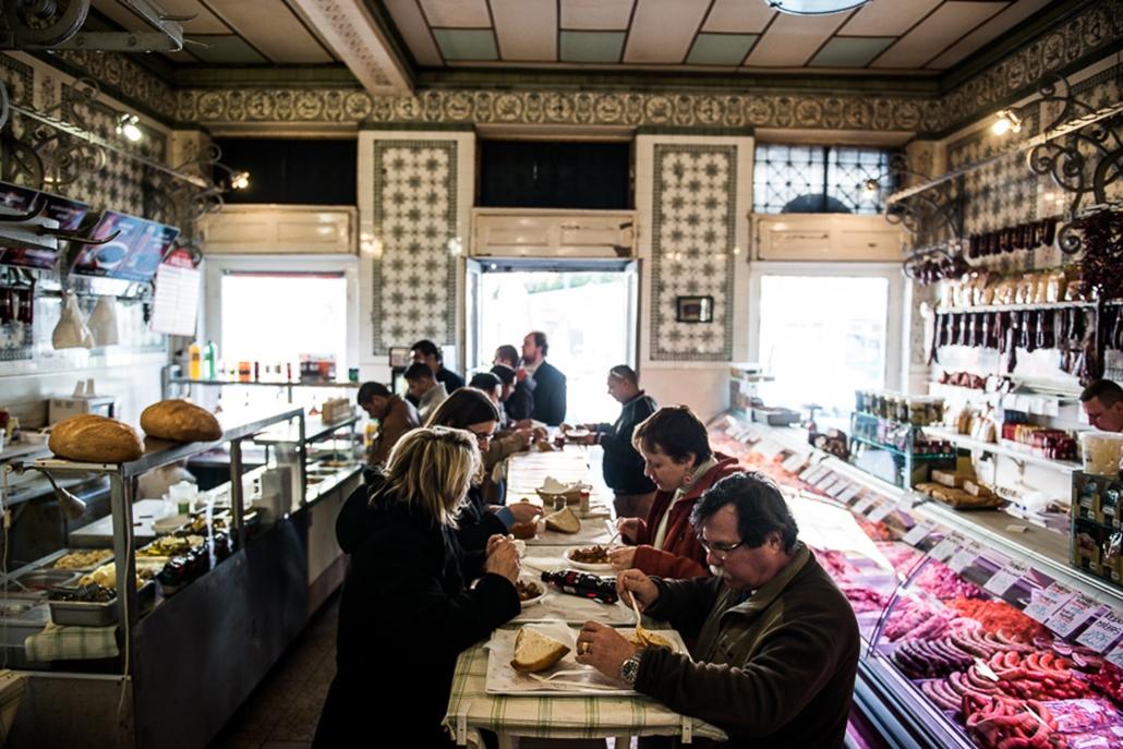 Belvárosi hentesek, hurka, kolbász, húsfogyasztás, Nagyítás, Mester utca