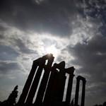 Még 15 milliárd euróval nagyobb kiigazítás kellhet a görögöknek